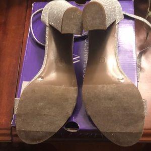 Silver ladies shoe
